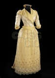 Woman's dress, consisting of...